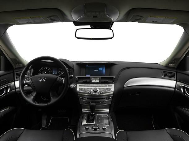 New 2018 Infiniti Q70 for sale in dubai