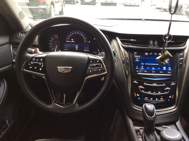 Used 2015 Cadillac CTS for sale in dubai