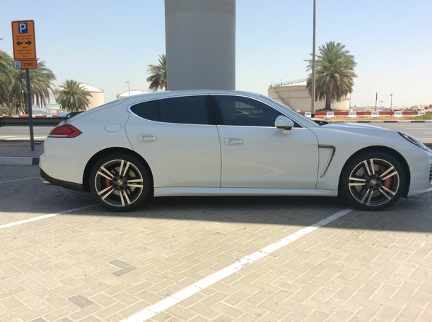 Used 2014 porsche Panamera for sale in dubai