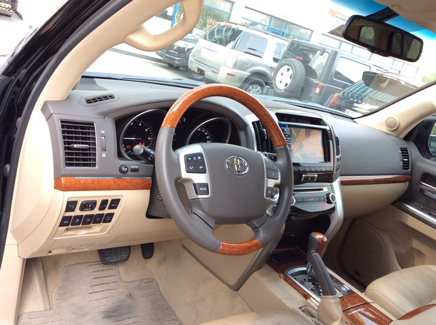 Used 2014 toyota Land Cruiser for sale in dubai