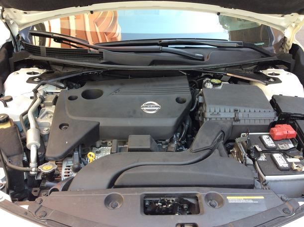 Used 2014 Nissan Altima for sale in dubai