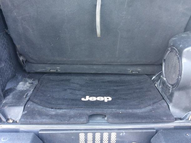 Used 2014 jeep Wrangler for sale in dubai