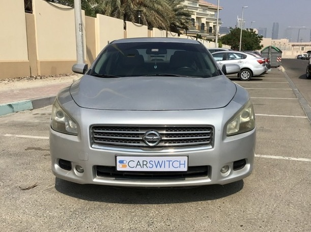 Used 2011 Nissan Maxima for sale in abudhabi