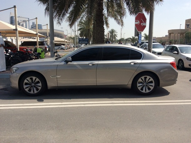 Used 2011 BMW 730 for sale in abudhabi