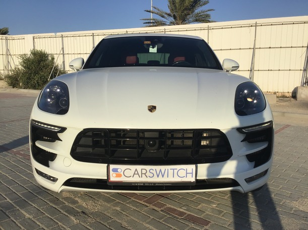 Used 2015 Porsche Macan Turbo for sale in abudhabi