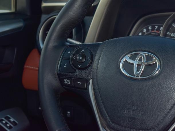 Used 2015 Toyota RAV 4 for sale in dubai