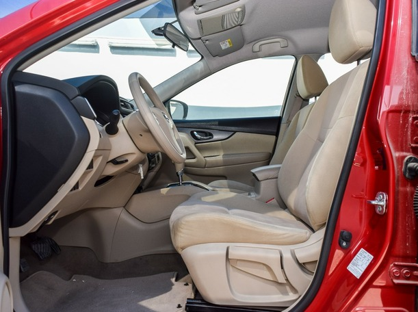 Used 2017 Nissan X-Trail for sale in dubai