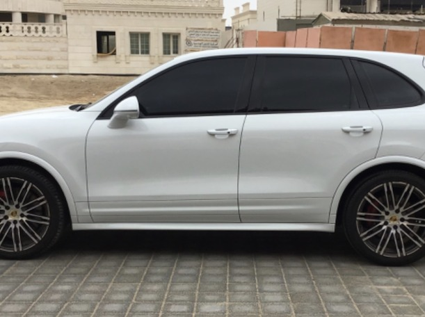 Used 2016 Porsche Cayenne Turbo for sale in abudhabi