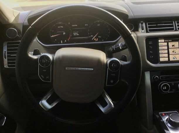 Used 2014 Range Rover Vogue for sale in abudhabi