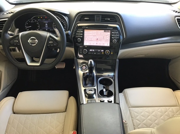 Used 2019 Nissan Maxima for sale in dubai