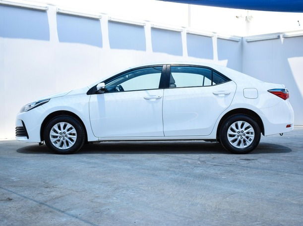 Used 2017 Toyota Corolla for sale in sharjah