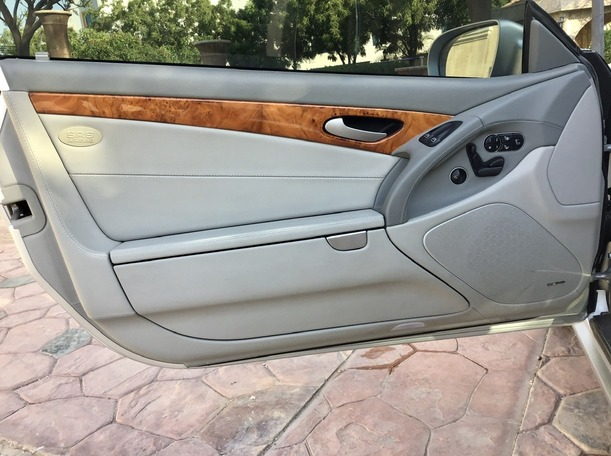 Used 2012 Mercedes SL550 for sale in abudhabi
