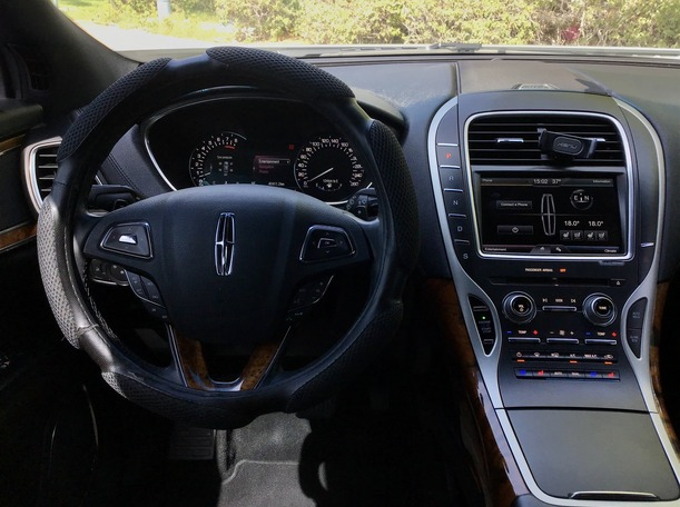 Used 2016 Lincoln MKX for sale in abudhabi