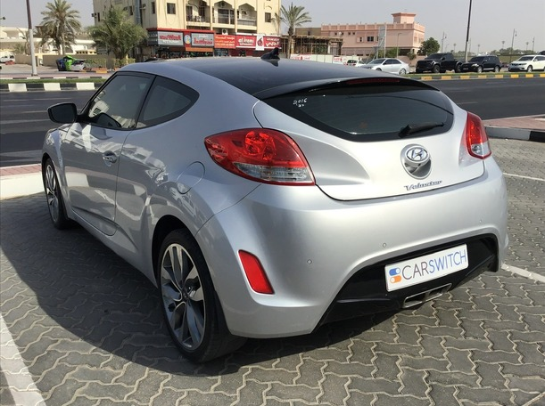 Used 2016 Hyundai Veloster for sale in sharjah