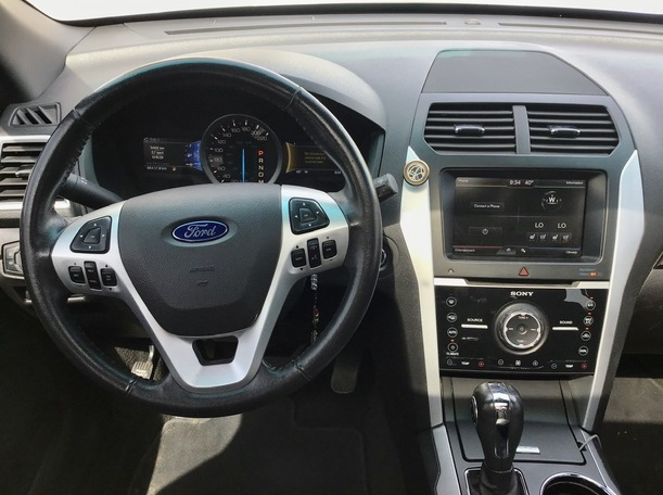 Used 2015 Ford Explorer for sale in abudhabi