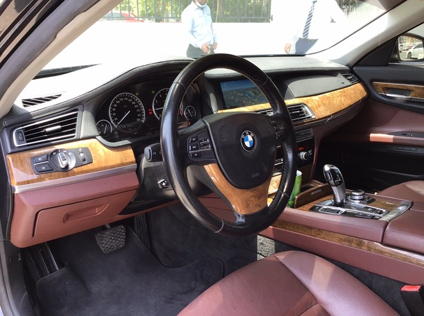 Used 2011 BMW 730 for sale in sharjah