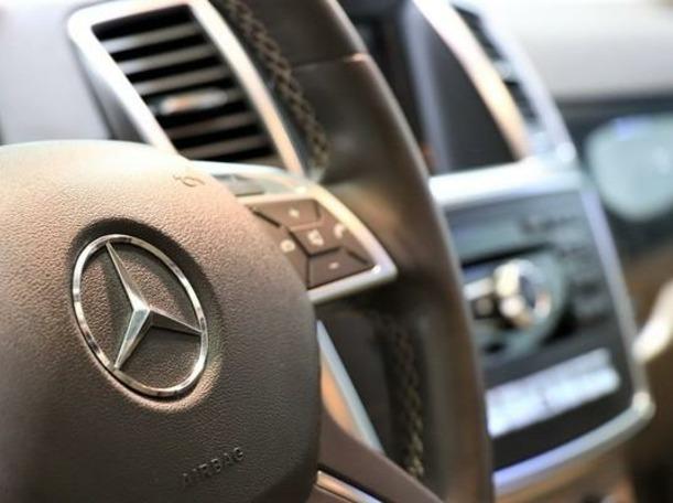 Used 2013 Mercedes ML350 for sale in dubai