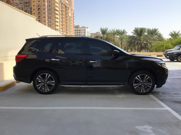 Used 2018 Nissan Pathfinder for sale in dubai