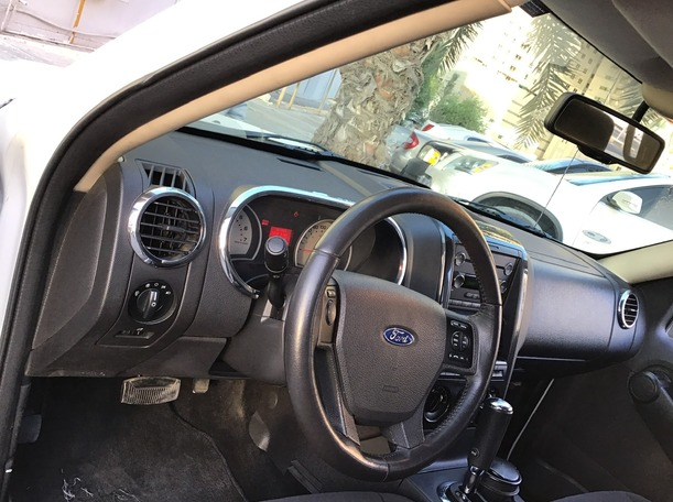 Used 2010 Ford Explorer for sale in sharjah