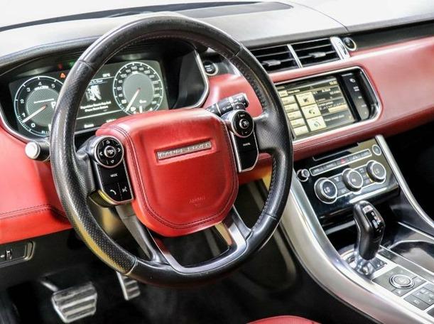Used 2015 Range Rover Sport for sale in dubai