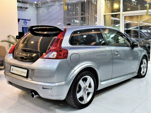 Used 2009 Volvo C30 for sale in sharjah