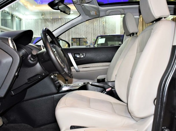 Used 2011 Nissan Qashqai for sale in sharjah