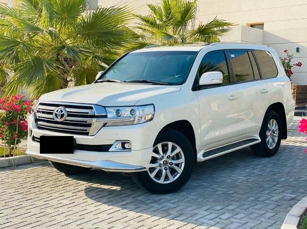 Used 2017 Toyota Land Cruiser for sale in dubai