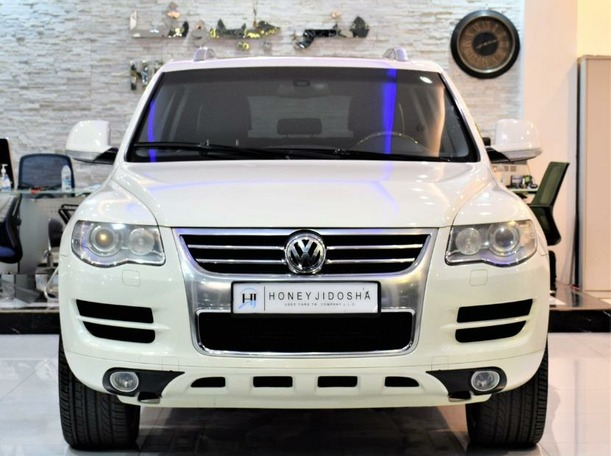 Used 2010 Volkswagen Touareg for sale in sharjah