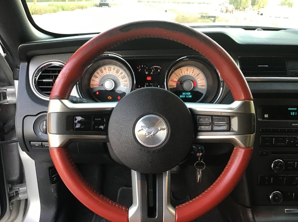 Used 2010 Ford Mustang for sale in dubai