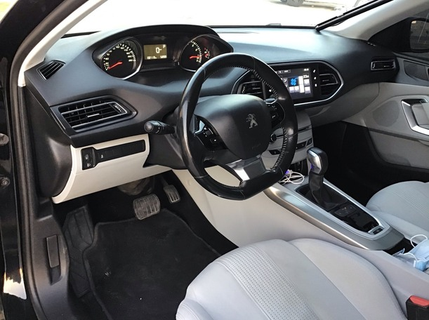 Used 2015 Peugeot 308 for sale in abudhabi