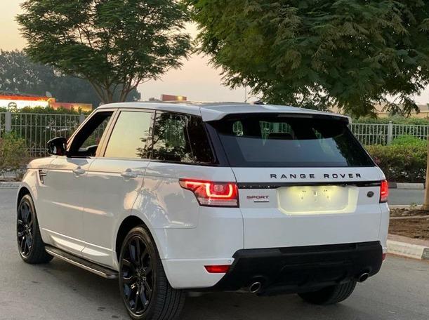 Used 2014 Range Rover Sport for sale in dubai