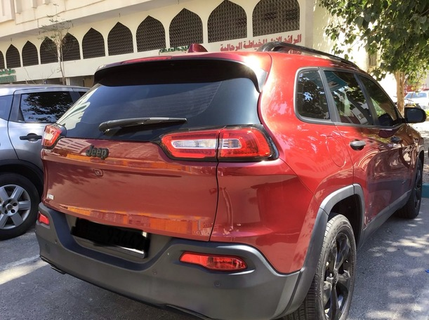 Used 2017 Jeep Cherokee for sale in abudhabi