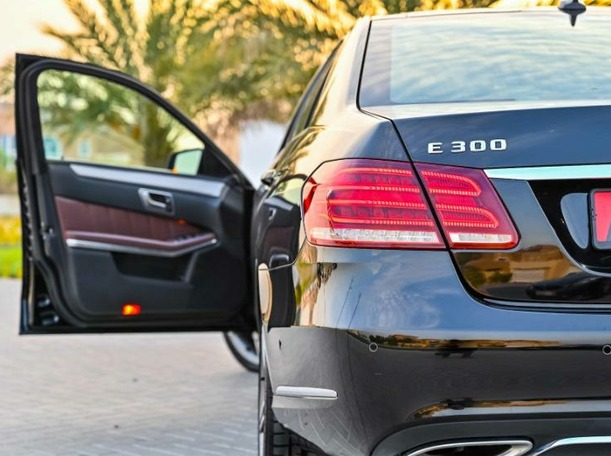Used 2014 Mercedes E300 for sale in dubai