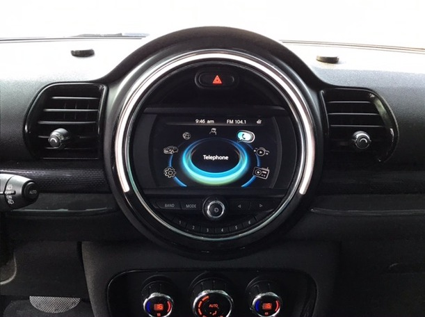 Used 2017 MINI Clubman for sale in sharjah
