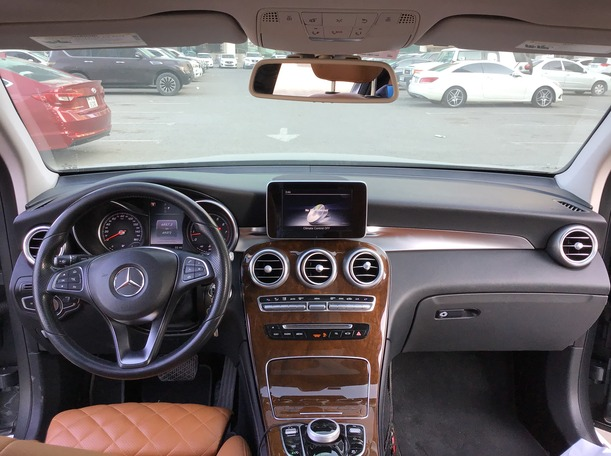 Used 2017 Mercedes GLC300 for sale in sharjah