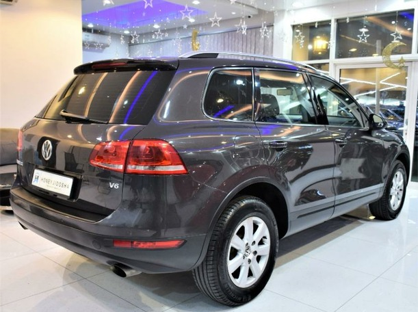 Used 2012 Volkswagen Touareg for sale in sharjah