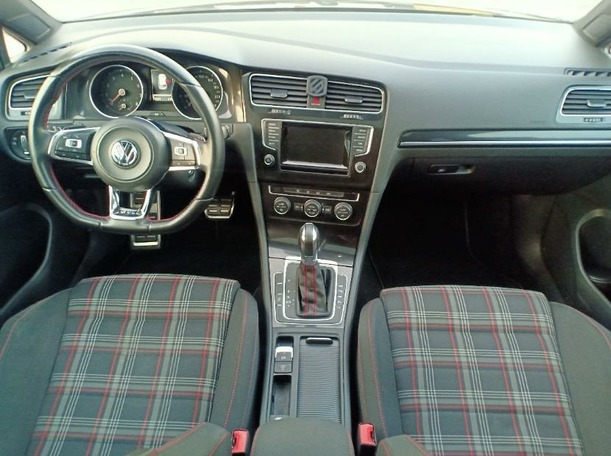 Used 2014 Volkswagen Golf for sale in dubai
