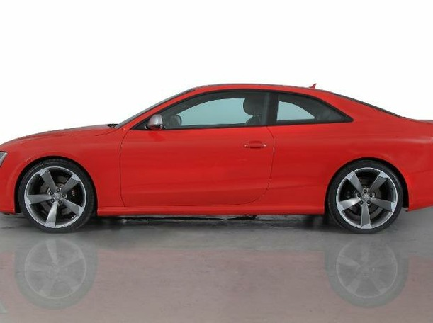 Used 2013 Audi RS5 for sale in dubai