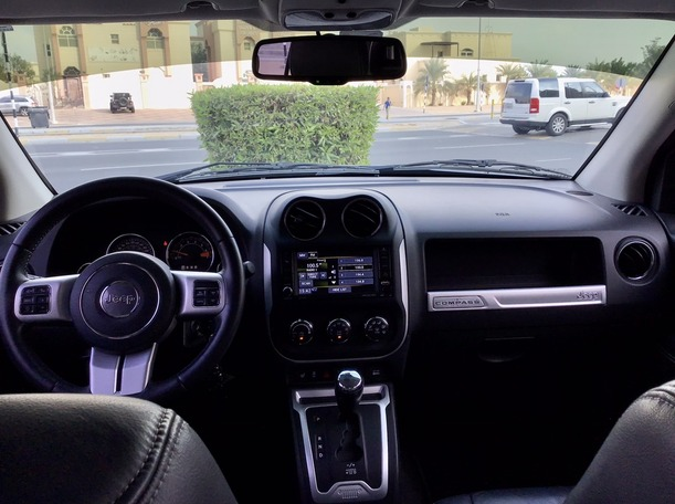 Used 2016 Jeep Compass for sale in abudhabi