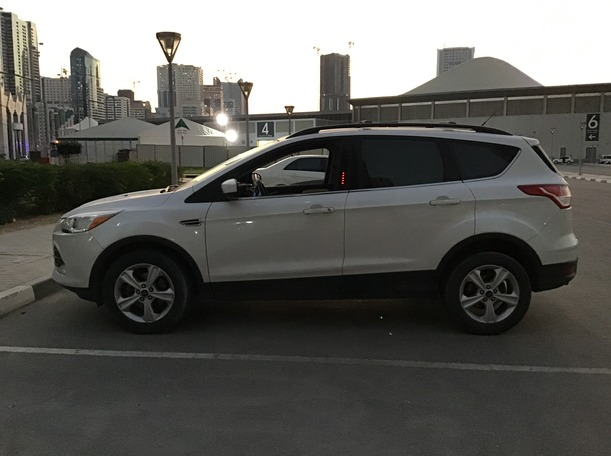 Used 2013 Ford Escape for sale in dubai