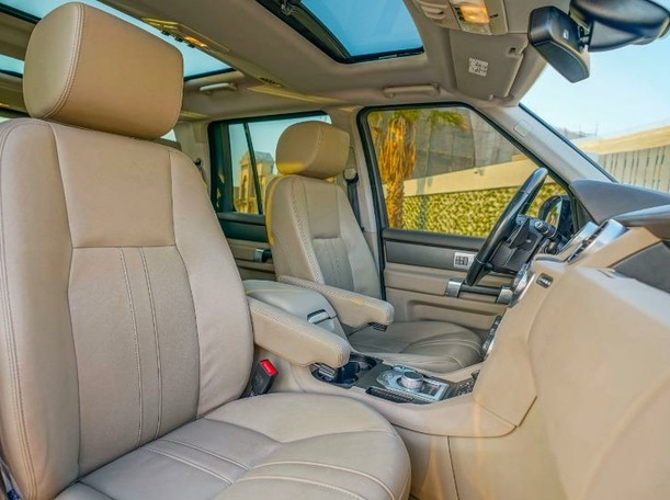 Used 2015 Land Rover LR4 for sale in dubai