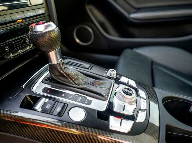Used 2014 Audi RS5 for sale in dubai