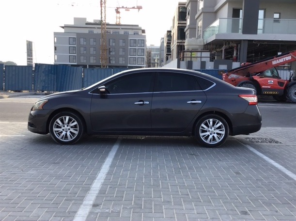 Used 2013 Nissan Sentra for sale in dubai