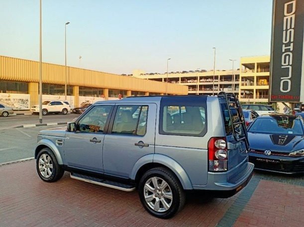 Used 2013 Land Rover LR4 for sale in dubai