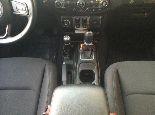 Used 2020 Jeep Wrangler for sale in dubai