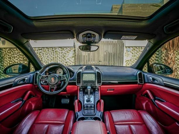 Used 2016 Porsche Cayenne for sale in dubai