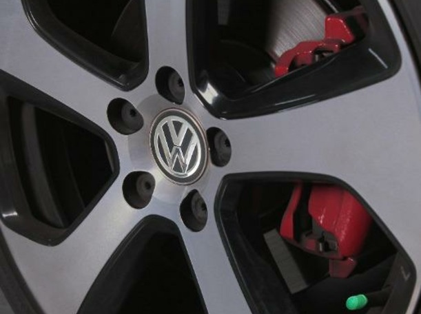 Used 2016 Volkswagen Golf for sale in dubai