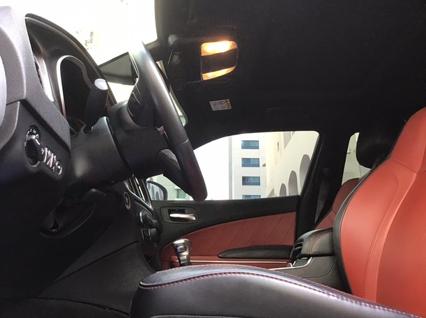 Used 2015 Dodge Charger for sale in abudhabi
