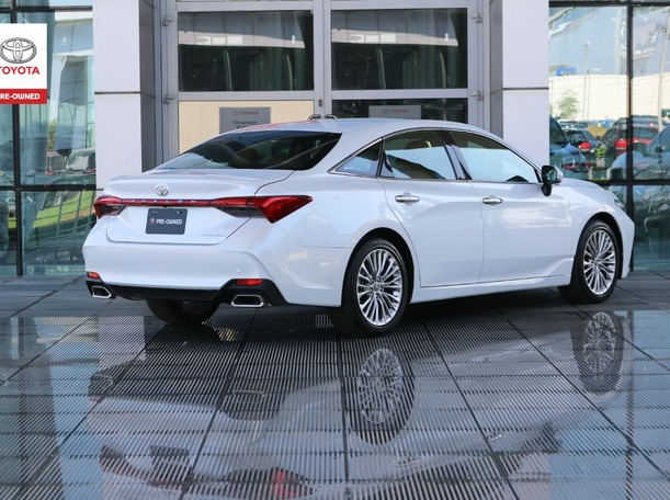 Used 2020 Toyota Avalon for sale in dubai