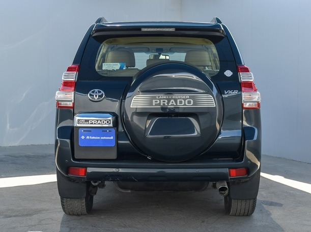 Used 2014 Toyota Prado for sale in dubai